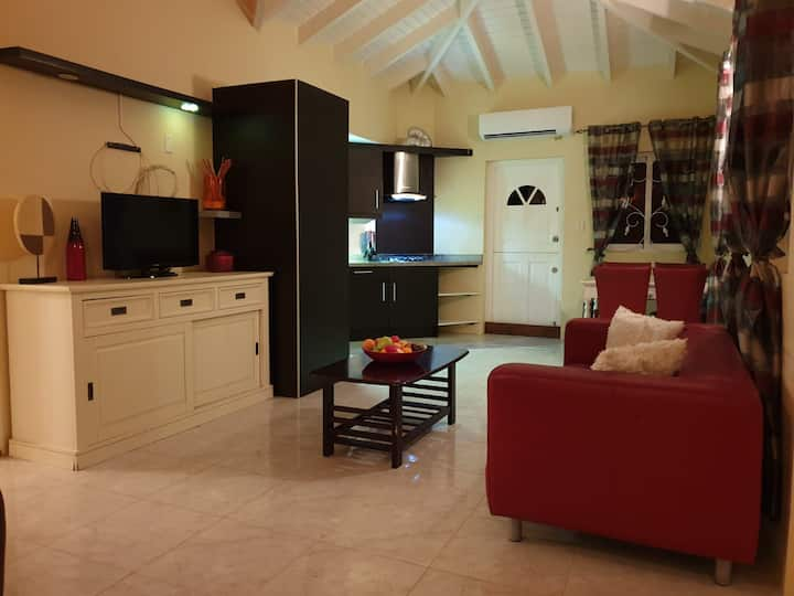 Bungalow Harmony...  great location and very cozy