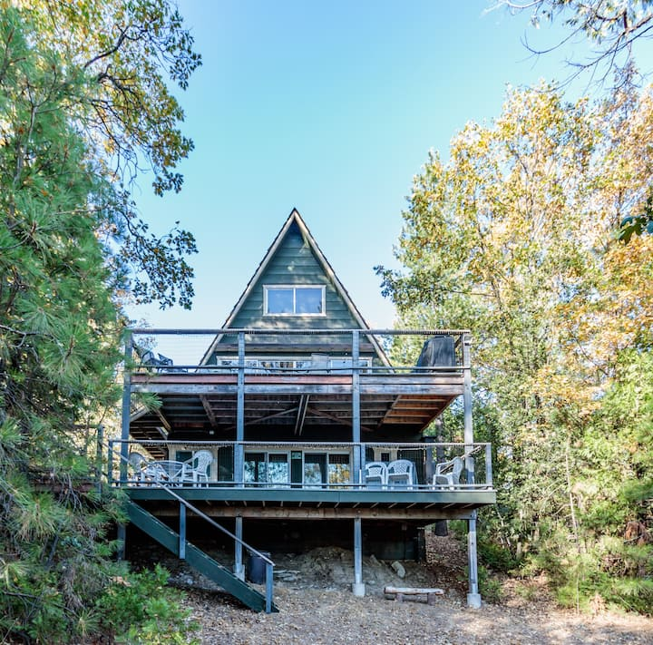 Bass Lake three-story home in Willow Cove, near Pines Village