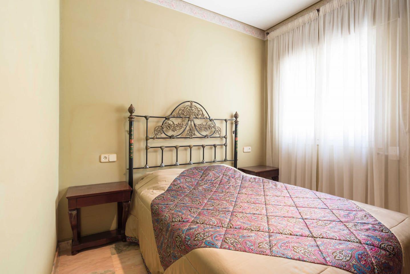 Villa Jarama Lujo - Single Double Bedroom
