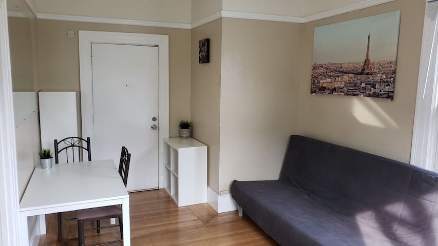 One bedroom apt by Alamo Square. F3