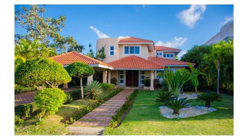Villa Esmeralda Cocotal Golf & Country Club
