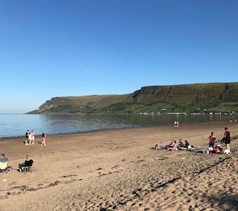 Waterfoot Beach House - Queen of the Glens