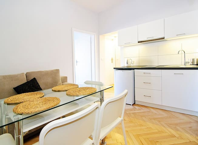 3 bedrooms at Florianska Street