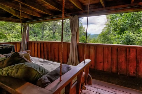 🐻 Nice View ⛰  Fireplace, Hot Tub, Porch Bed, Private