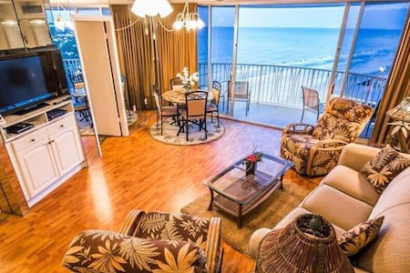Spectacular Ocean View and Bright Beach Condo - Pantai Daytona Beach