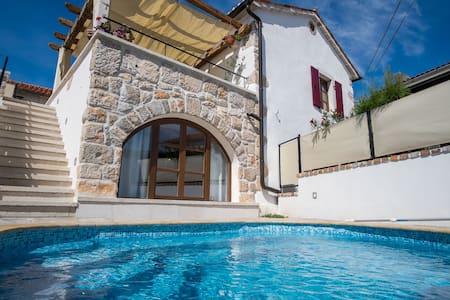 Luxury rustic house with pool 9401 - Polje, Dobrinj - Villa