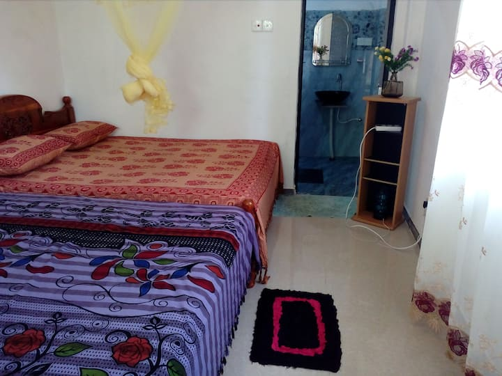 House of Esanya-Room with A/C   near the Airport