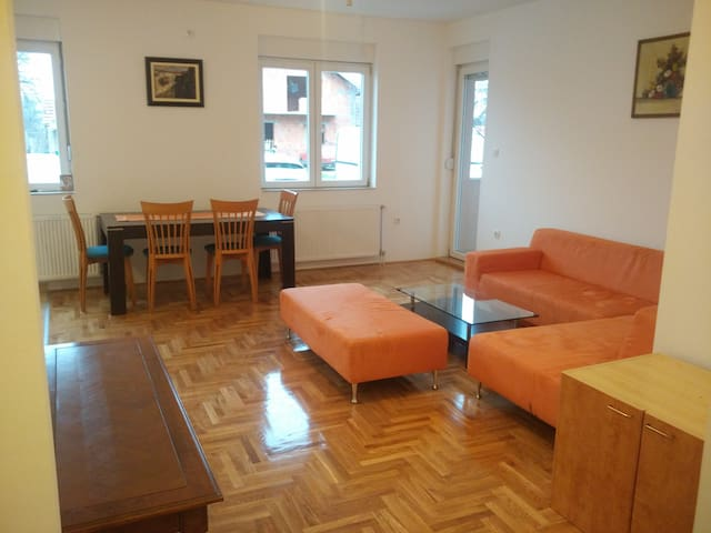 Big Apartment - Novi Sad - Casa
