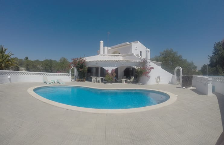 Casa Shiba for 8p with own pool near the sea. - Lagoa