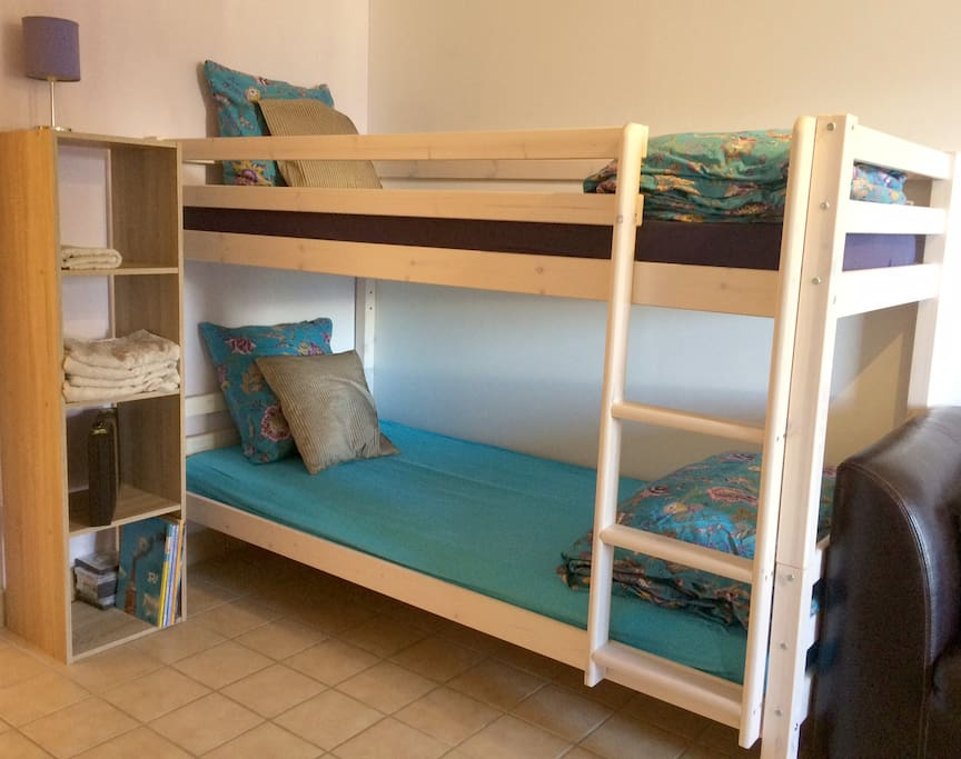 Bunks in Lavendar room