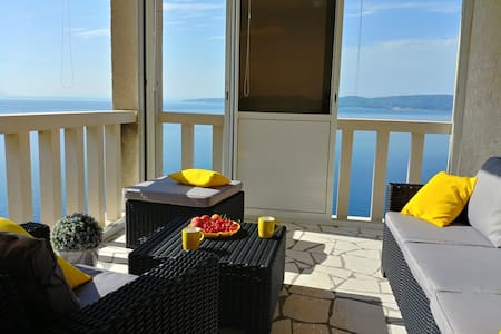 Apartment Bellevue - first row to the sea