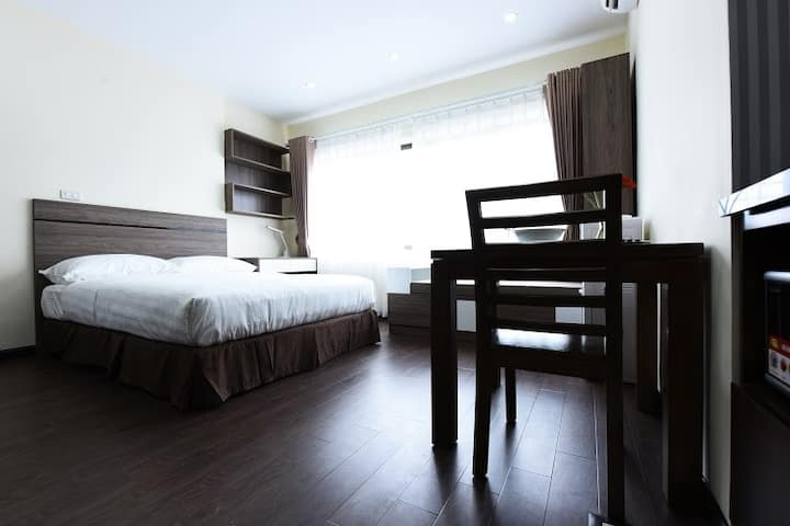 Deluxe Studio Apartment at Hoang Quoc Viet Street