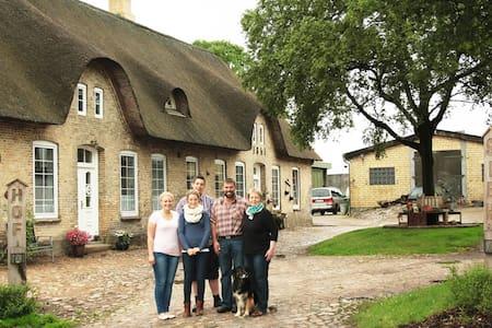 Moderne Ferienwohnung auf dem Bauernhof - Treia - Lyxvåning