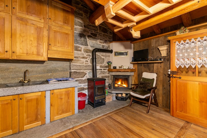 Cabin at 2.000mt on the ski slopes Alagna Valsesia