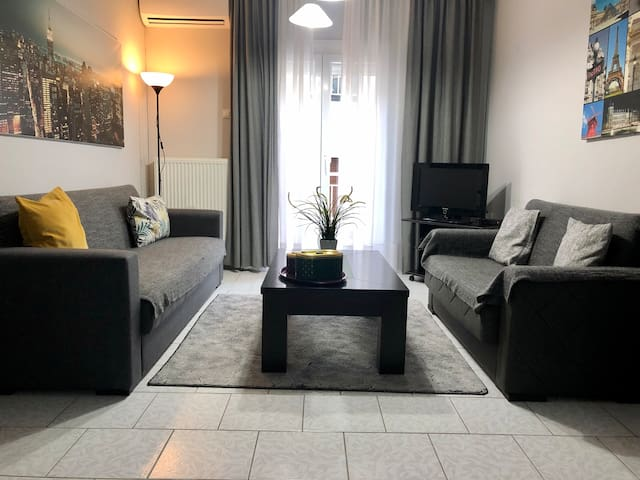 Cozy 2BR Apartment near City Center