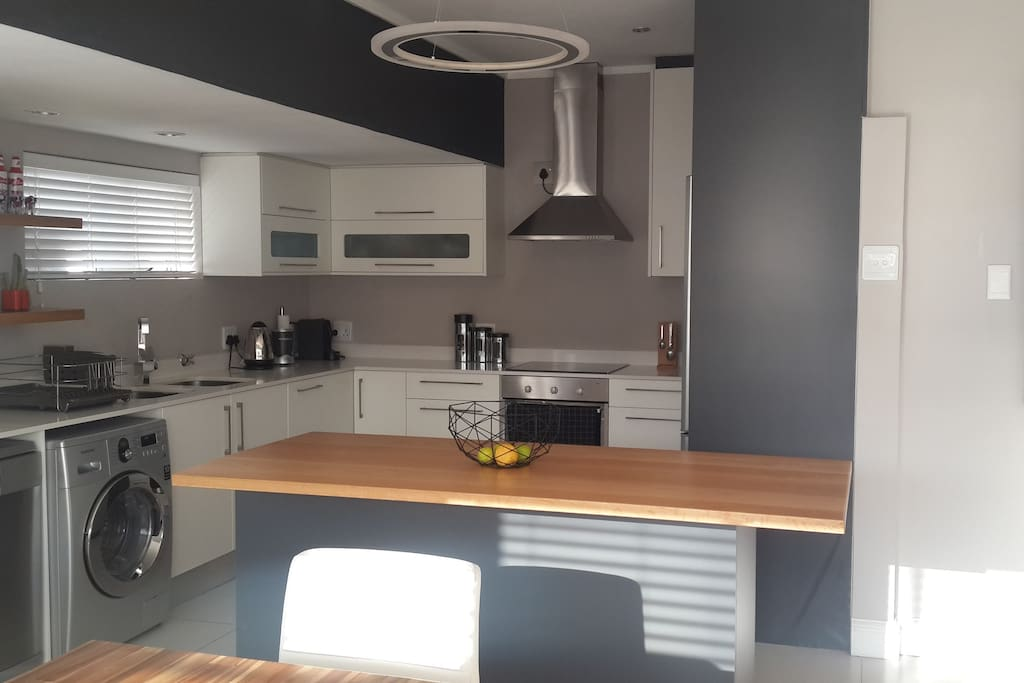 Open Plan Living Space - Modern Kitchen