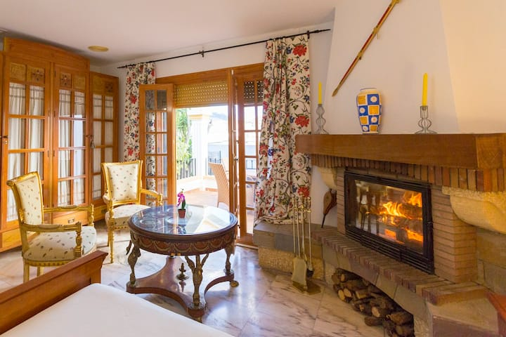 Casa Glorieta en villa de Nijar con piscina