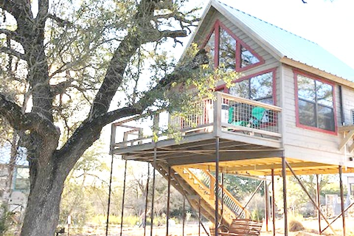 Arbor House of Dripping Springs--Finch House