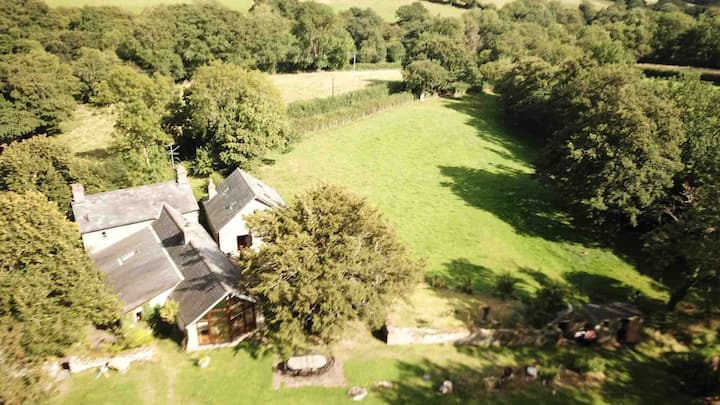 Entire Spacious Home  - near Hay on Wye