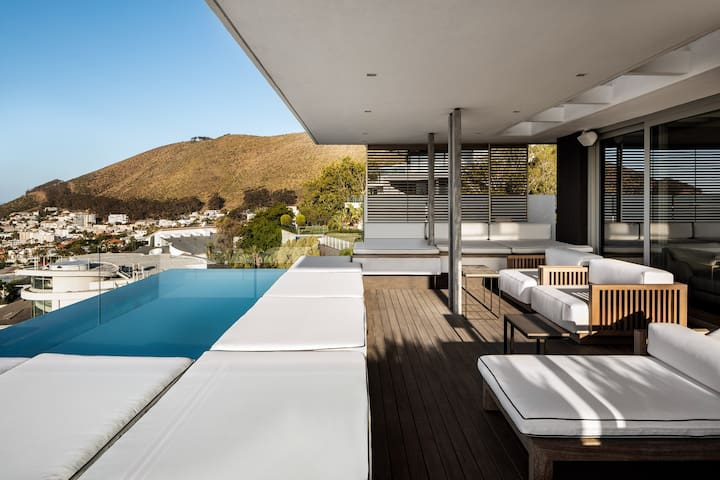 Number 6 Cape Town