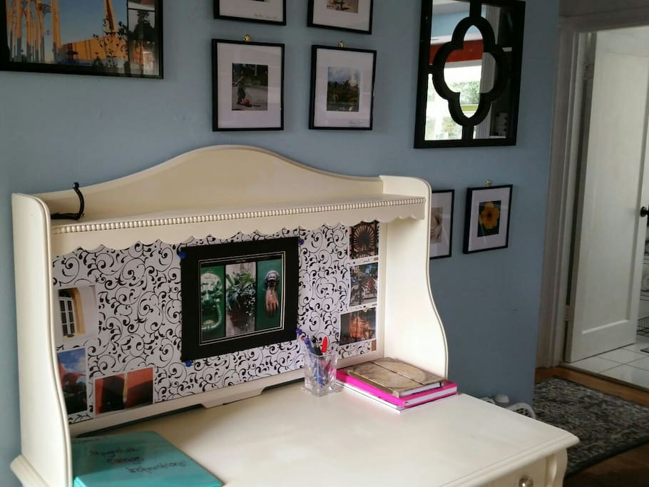Your entry way desk!