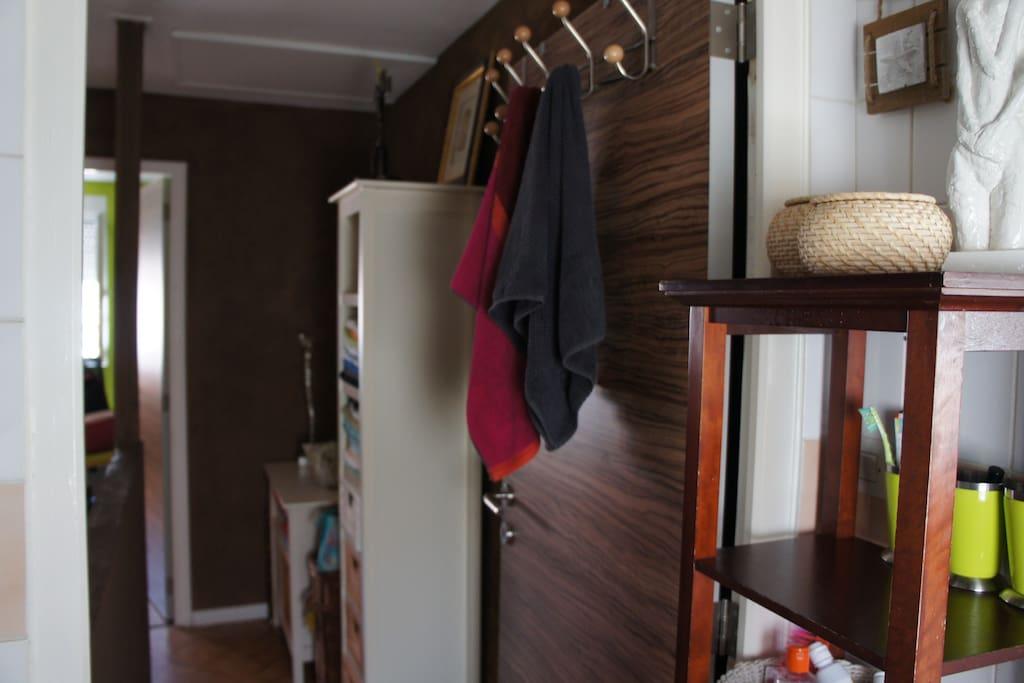 maison avec cour 300 m de la plage reihenh user zur miete in dunkerque hauts de france. Black Bedroom Furniture Sets. Home Design Ideas