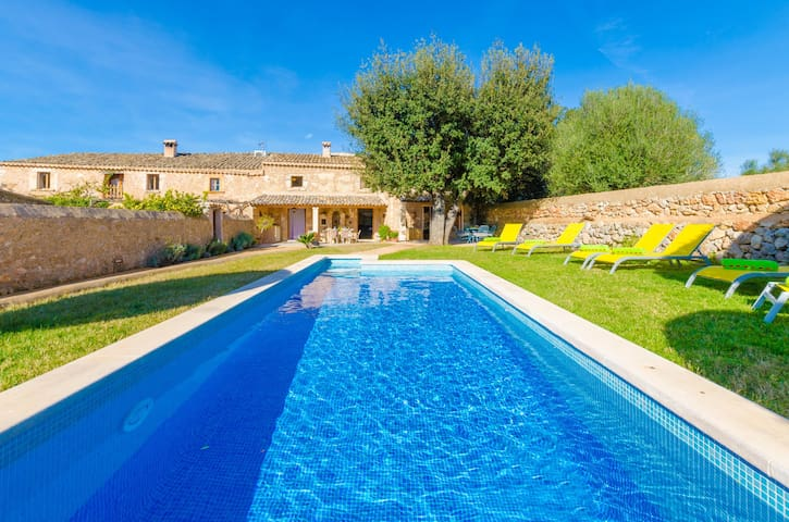 CAN GELAT - Villa with private pool in COSTITX.