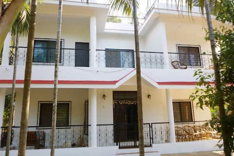 Tranquil Home Stay Kelshi
