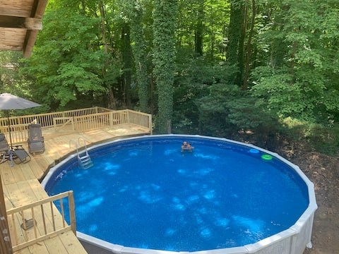 Seven Springs Cabin - private pool & hot tub