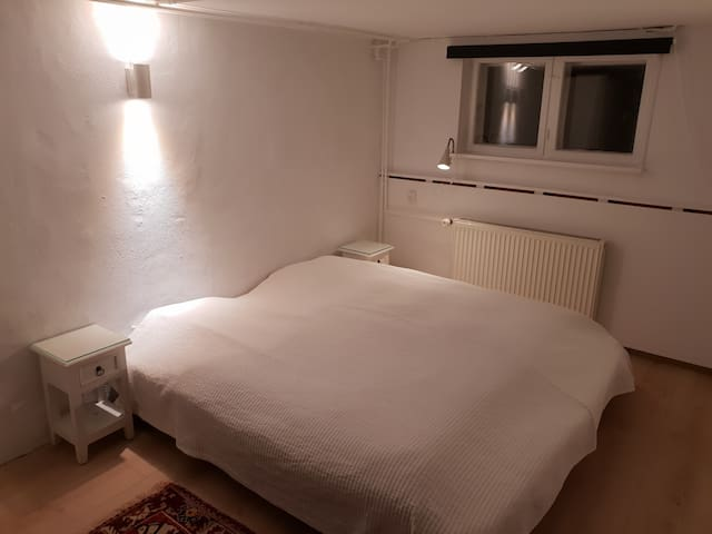 Room in Hellerup with Private entrance