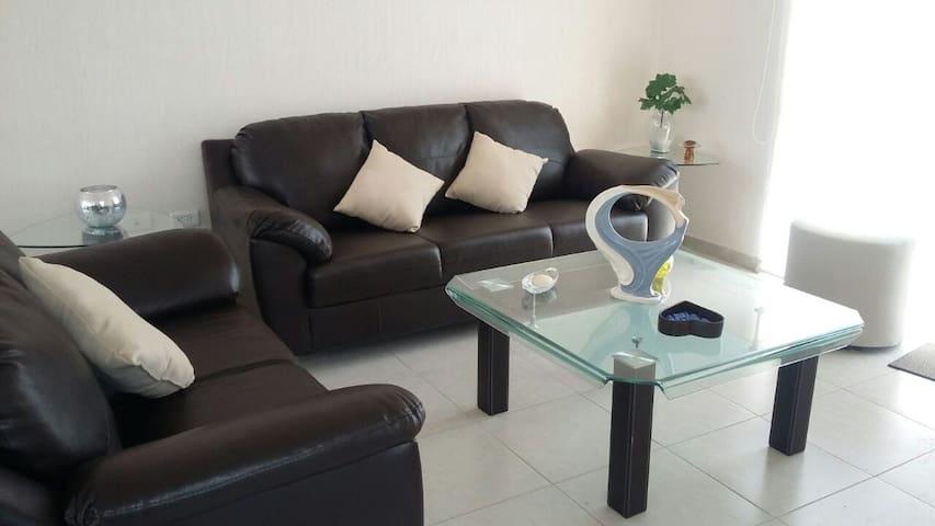 Casa confortable/ Comfortable home - Aguascalientes - บ้าน