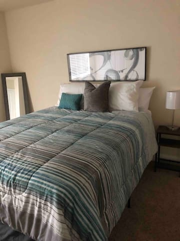 Bedroom with a comfortable Queen size bed!