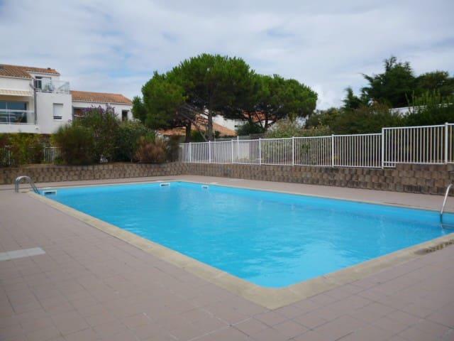 Très agréable studio  rés. avec piscine - 25Must 2 - La Rochelle - Apartament