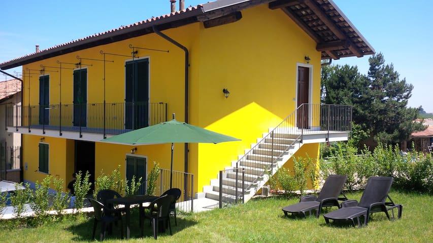 Casetta San Giovanni - Barolo - Rumah