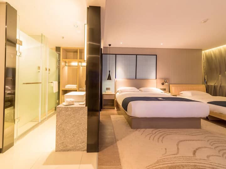 舒适温暖双床   时尚现代风布置·附沙发