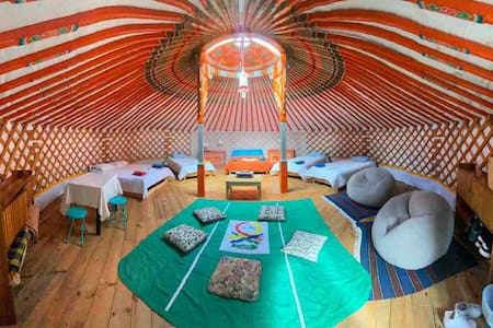 La yurta glamping