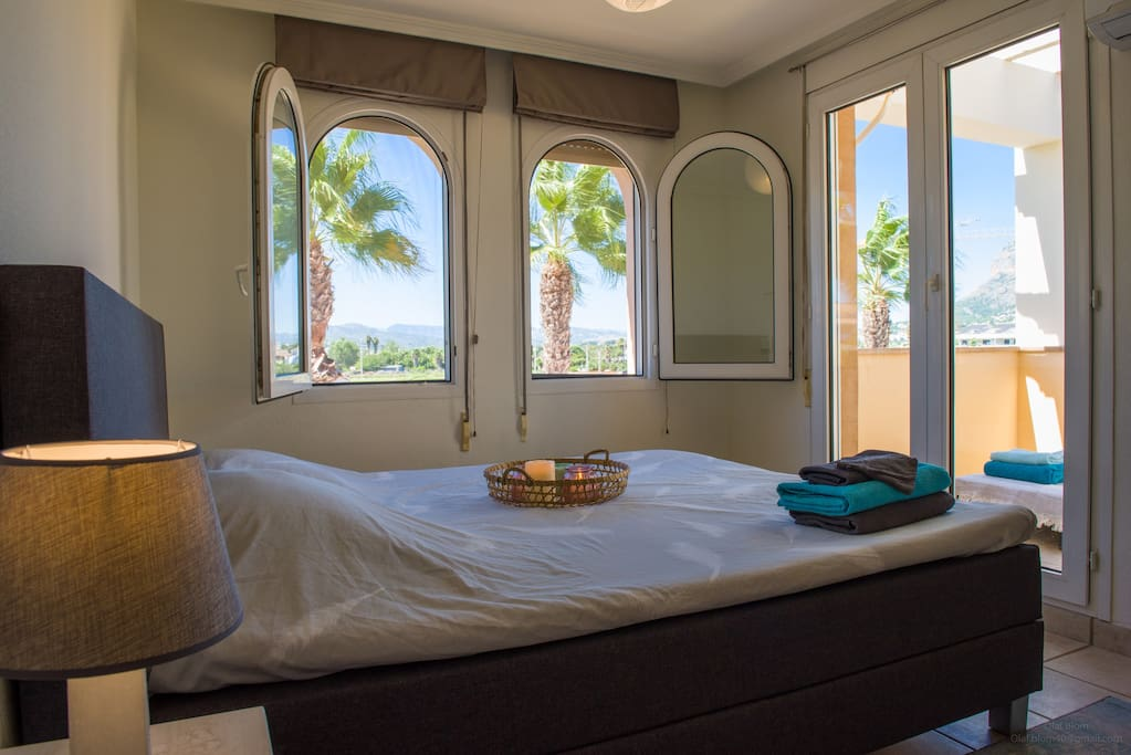 Bright and spacious Master bedroom with access to the lounge terrace