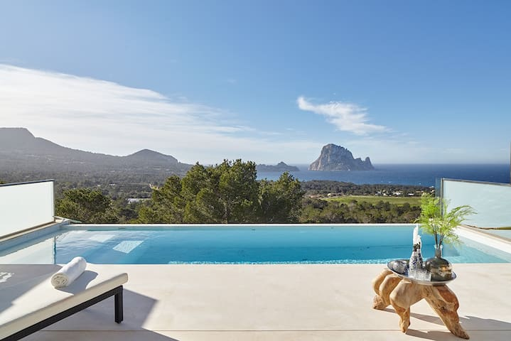 10-14 persons linked villa in quiet nature reserve - Ibiza - House