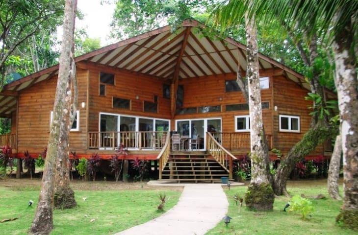 Bocas del Toro Oceanfront Rental - Carenero Island