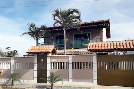 BELA RESIDÊNCIA A BEIRA MAR em RIO DAS OSTRAS