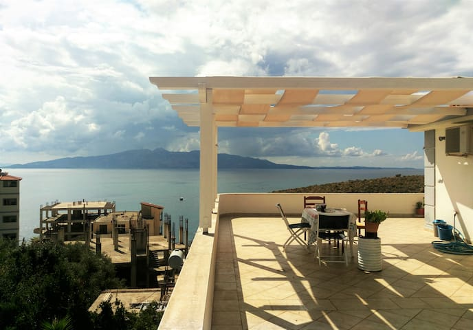 Villa Suite with Amazing View - Sarandë - 別荘