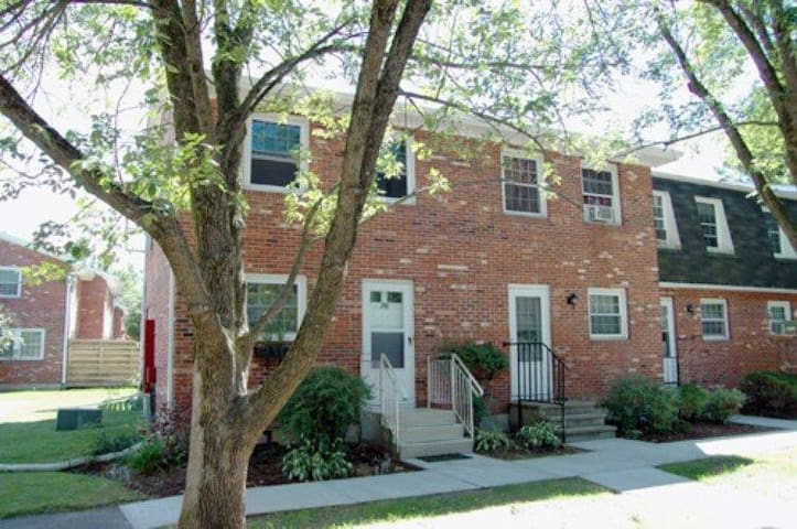 Extended Stay Townhouse Share