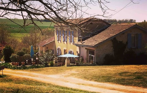 Marcadis Gite - Adults Gite with 16 acres and lake