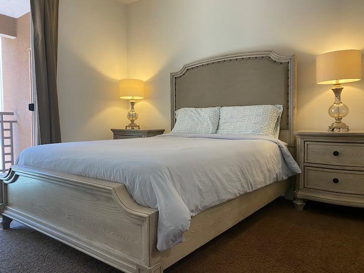 Irvine 2BD Luxury apartment near beaches & Disney