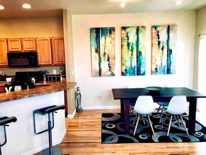 Modern 3 Bedroom, 3.5 Bath Townhome with Garage