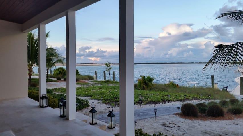 Stunning Home w/ Beautiful Views & Ocean Access - Bimini - Dom