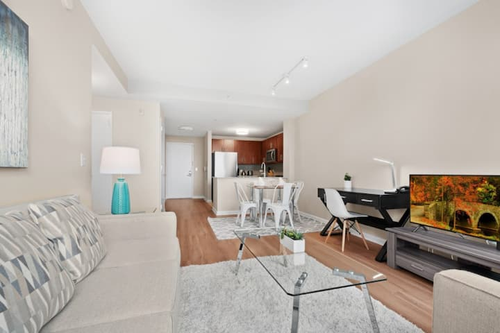 Spacious&Clean 1BR | Work desk |Jersey City by GLS