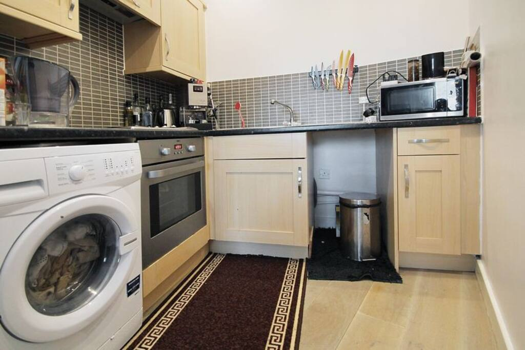 Fully Equipped Kitchen & Washing Machine