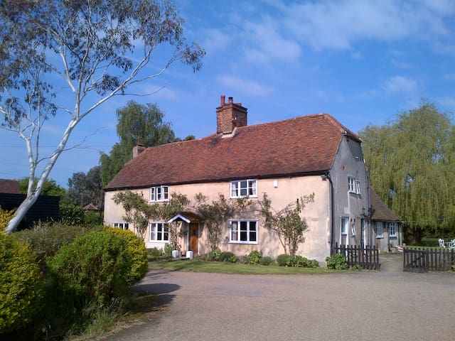 16th c Farmhouse, St Albans/Hatfield, Herts. - Saint Albans