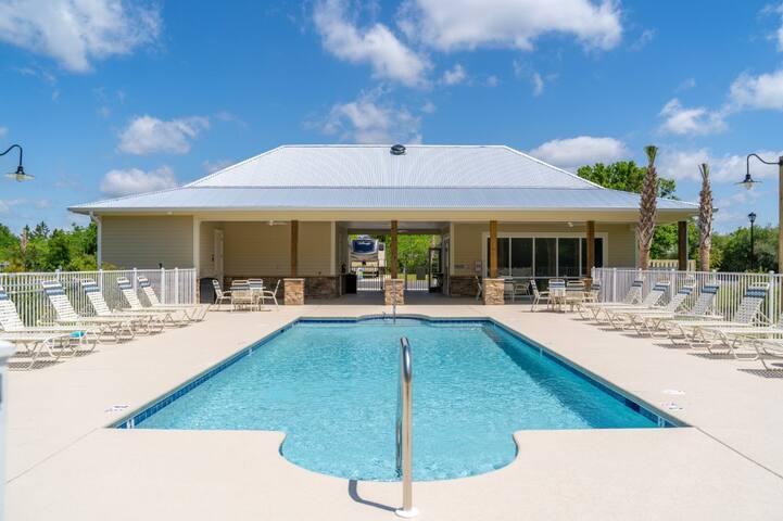Beautiful Creekside RV Resort - Lot # 28